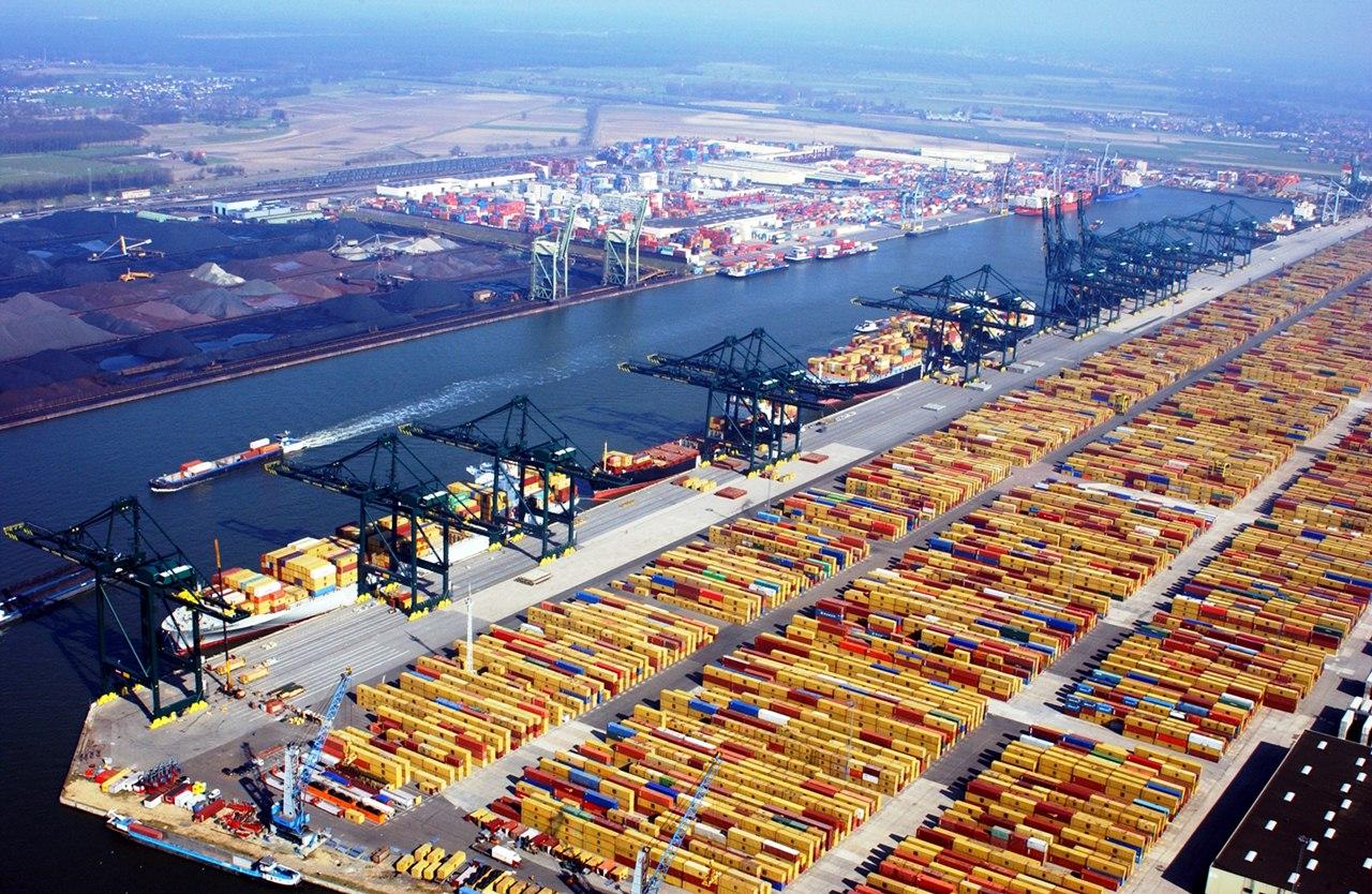 Du học ngành Logistics tại Đại học Rotterdam Hà Lan – Học bổng 178 triệu đồng